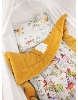 Kocyk + Poduszka dla Niemowlaka Zaczarowany Świat Alicji, 60x75 cm - oryginalne tło, welur bawełniany